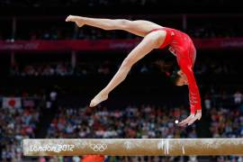 gymnast-5184-3456-wallpaper