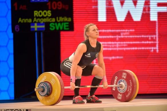 Angelica Roos, Mossebergs AK, klass 58, svenskt rekord totalt, 197 kilo (84+113), fyra i stöt, b-gruppen,